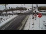 Видео столкновения грузовика с двумя поездами в Северном Казахстане